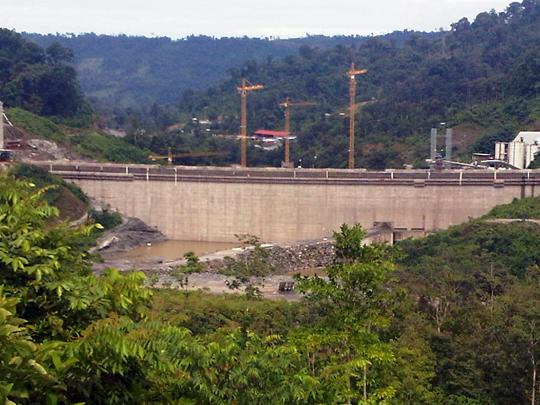 Construcción de la presa desde Changuinola (Panamá)