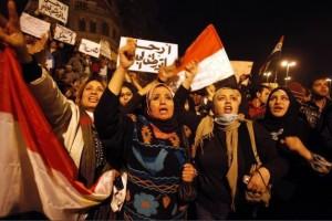 Mujeres celebran en El Cairo la caída de Mubarak