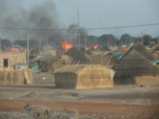 Bombardeo de un poblado en Abyei
